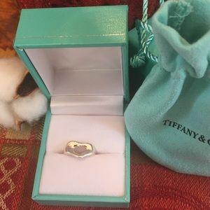 Rare Vintage Tiffany & Co. . 925 Open Heart ring